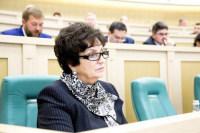 В Совете Федерации поддержали идею об ужесточении требований к приемным родителям