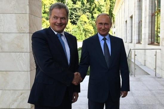 Путин поблагодарил Ниинистё за организацию встречи с Трампом
