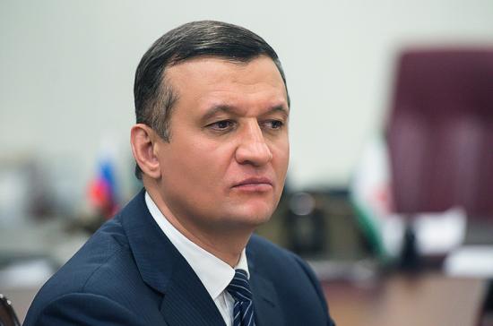Савельев предложил ужесточить ответственность чиновников за плохие дороги