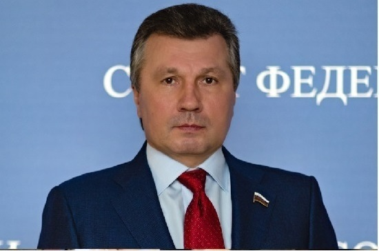 Сенатор Васильев поздравил Бабича с новыми назначениями