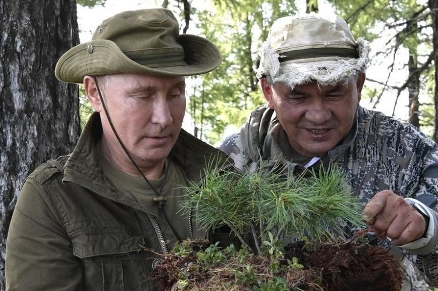 Опубликованы фотографии с отдыха Путина в горах