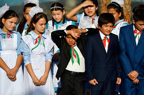 Количество учителей из России в Таджикистане увеличится вдвое