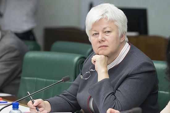 Сенатор Тимофеева подняла вопрос о низких зарплатах учителей Севастополя