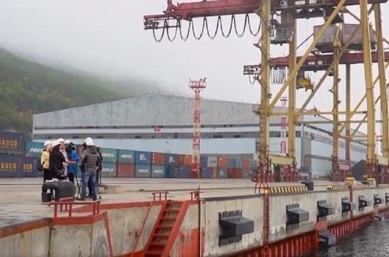 В Магадане после реконструкции открылся пятый причал морского торгового порта