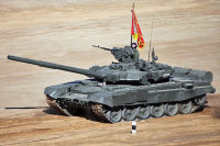 «Броня крепка, и танки наши быстры…»