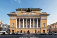 В первом публичном театре России идёт Влюблённый Шекспир