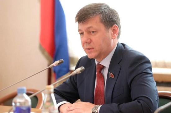 Новиков: сегодня очень важно объективно освещать деятельность парламента