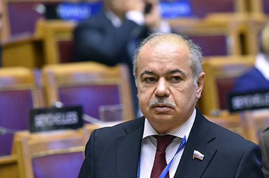 Ильяс Умаханов переназначен сенатором от Дагестана