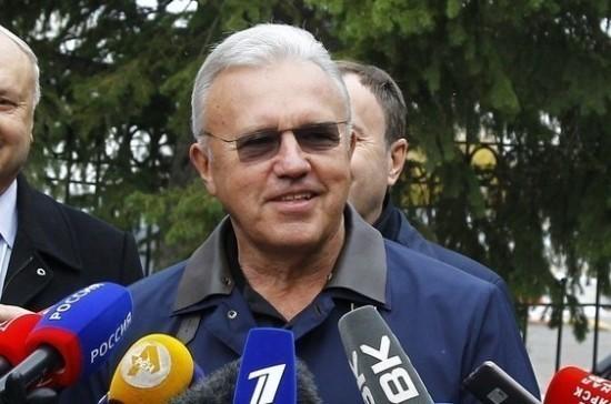 Александр Усс лидирует на выборах губернатора Красноярского края после обработки 60%