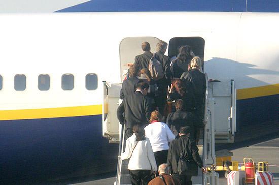 Курение на борту самолёта обойдётся в 40 тысяч рублей