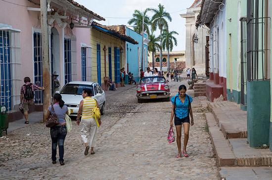 Трамп продлил торговое эмбарго в отношении Кубы