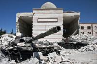 Террористы в Идлибе совершают удары по пунктам базирования ВС России, сообщили в МИД