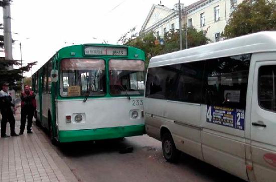 В Севастополе за два дня выявили около 50 нарушений ПДД водителями автобусов