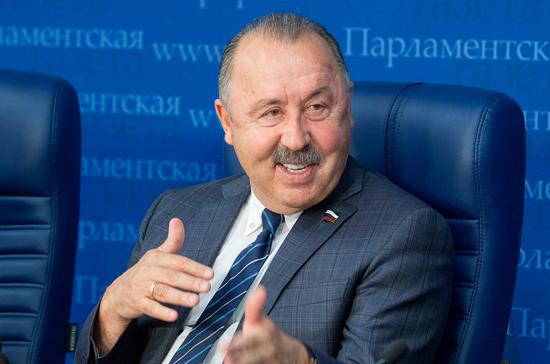 Валерий Газзаев: российский бизнес должен финансировать наши, а не импортные клубы