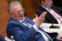 Жириновский предложил наказывать водителей, которые не пользуются автомобилями