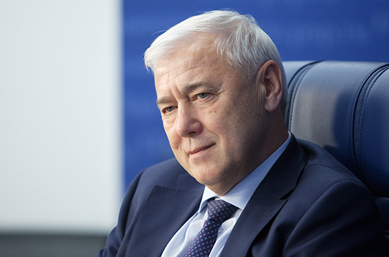 Аксаков оценил план главы ВТБ по дедолларизации