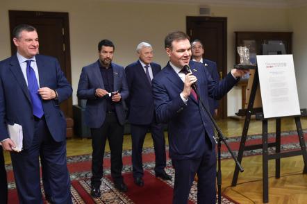 «Парламентская газета» показала себя в Госдуме