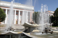Депутаты парламента Таджикистана сменили фамилии на национальный лад