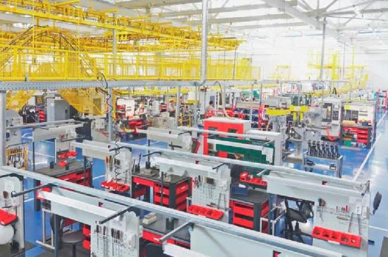 Мантуров: на предприятиях ОПК будут выпускать 19% гражданской продукции