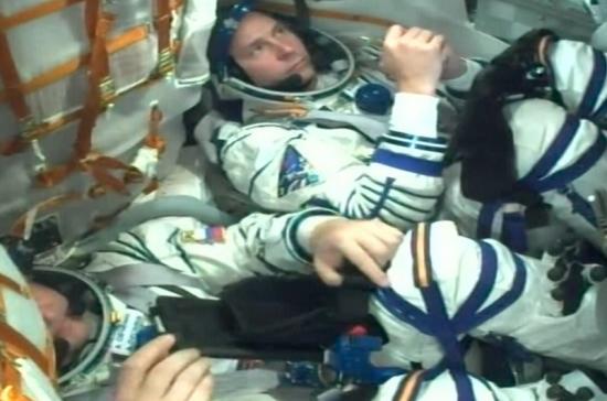 Приземлившийся после аварии экипаж МКС чувствует себя хорошо