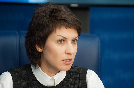 Лебедева отметила важность воспитания социально активной молодёжи
