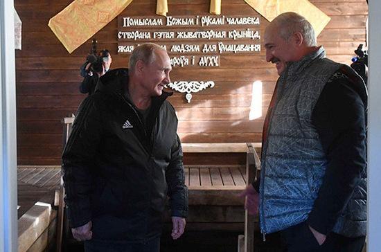 Лукашенко накормил Путина блинами и драниками