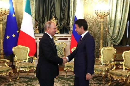Путин поблагодарил итальянцев за помощь российским болельщикам в Риме