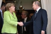 Путин и Меркель начали двустороннюю встречу в Стамбуле