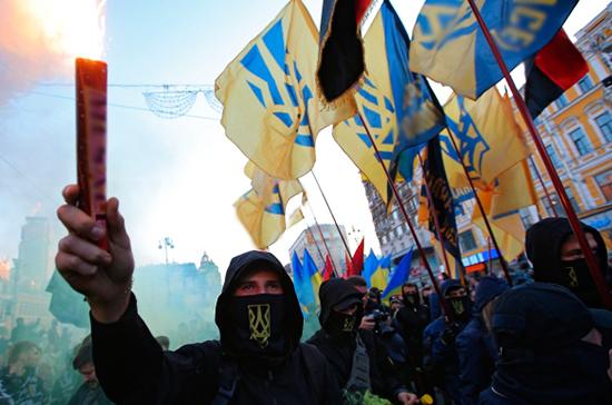 Кто платит Киеву за русофобию