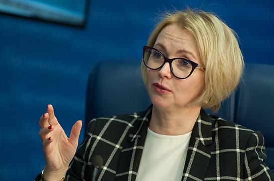 Сенатор Гехт оценила перспективы сокращения числа алкомаркетов