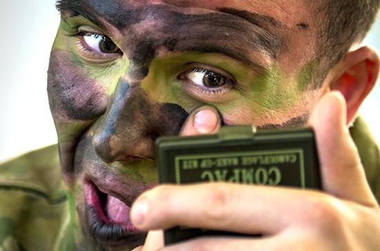 Эксперт объяснил, почему Макрон вновь предложил создать общеевропейскую армию