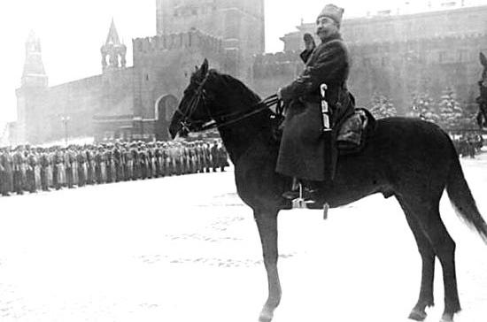 Легендарный парад на Красной площади