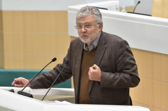 Поляков призвал установить общественный контроль над российскими ТВ и театром