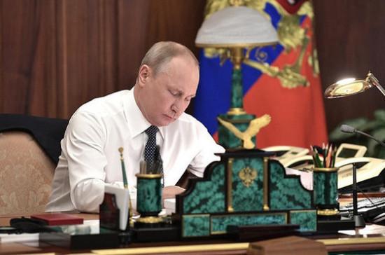 Путин переназначил Хлунова гендиректором Российского научного фонда