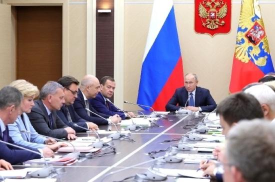 Путин о ценах на нефтепродукты: ситуация рыночная, но нуждается в регулировании