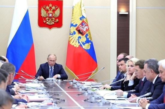 Путин поручил не допустить роста тарифов на вывоз мусора
