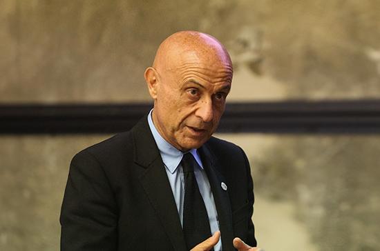 Бывший глава МВД Италии претендует на пост национального секретаря Демпартии