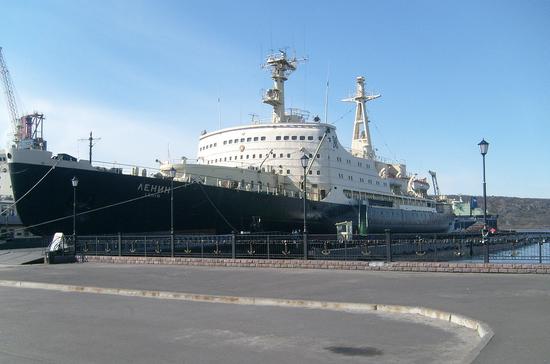 Первый в мире атомный ледокол