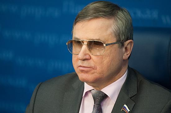 Смолин предложил создать в Госдуме Совет по делам инвалидов