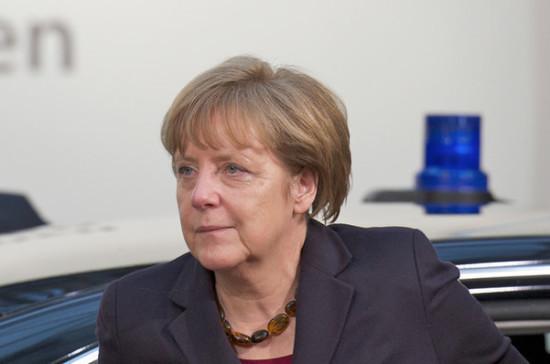Меркель назвала демонстрации «жёлтых жилетов» во Франции частью демократии