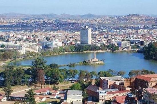 Политолог: Запад заинтересован в негативном освещении выборов президента Мадагаскара