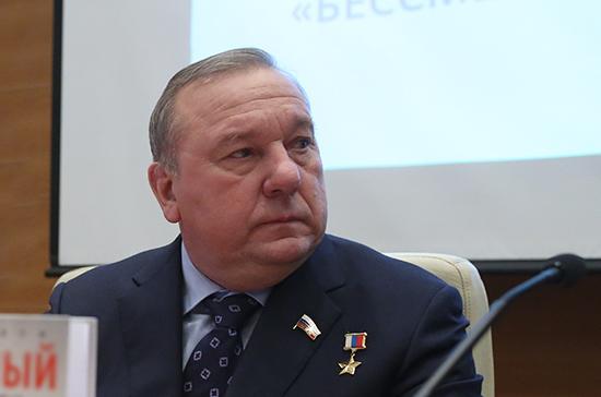Госдума продолжит работу по совершенствованию соцподдержки военнослужащих, заявил Шаманов
