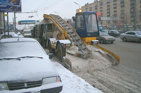 За неделю с улиц Петербурга вывезли 42,5 тысячи кубометров снега