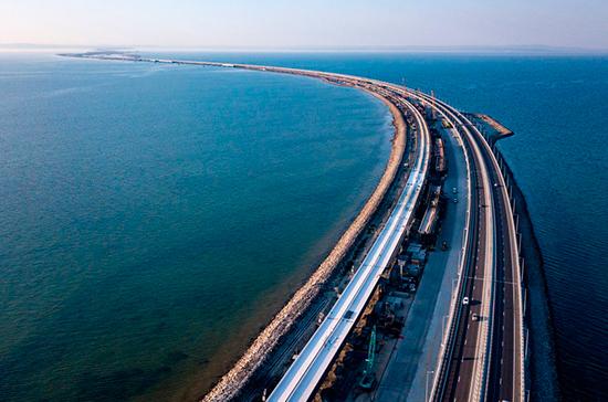 Поезда пойдут по Крымскому мосту в декабре следующего года