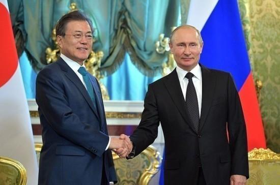 Президент Южной Кореи по-русски поздравил Путина с Новым годом