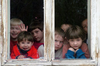 Детей родителей-одиночек предложили принимать в детсад в первую очередь