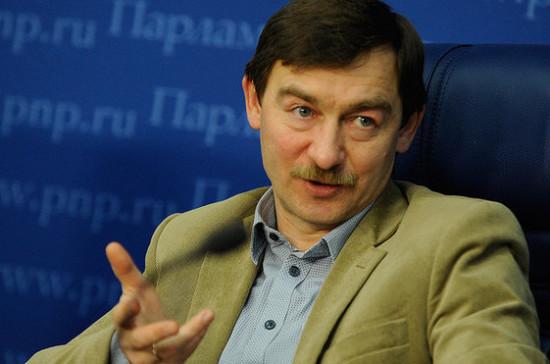Политолог: томос для Украины не отразится на рейтингах Порошенко