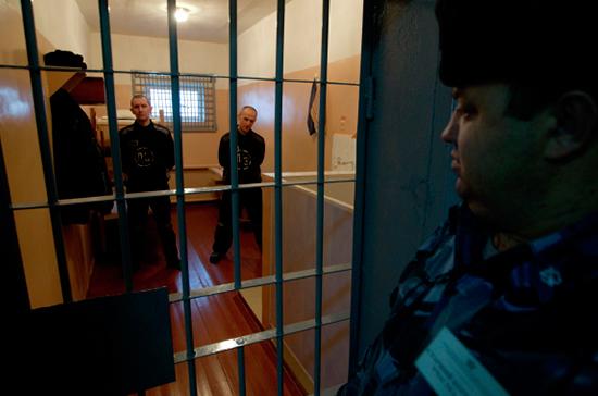 Заключённых из бараков предлагают перевести в общежития