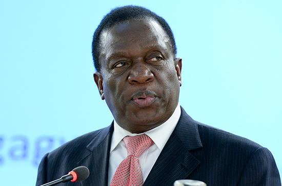 Президент Зимбабве рассчитывает обсудить с Путиным военное сотрудничество и торговлю