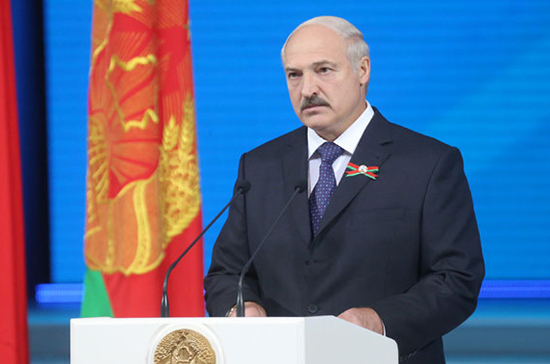 Лукашенко выступил за скорейшее урегулирование конфликта на Украине